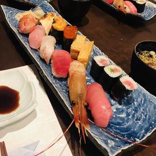 おまかせ にぎり(SUSHI DINING 和魚肴彩 たまはち (すしだいにんぐ わとこうさい たまはち))