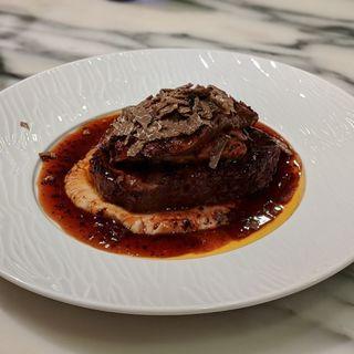 牛フィレ肉とフォワグラのロッシーニ黒トリュフのソース(俺のフレンチ・イタリアン AOYAMA )