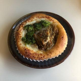 ハーブチキンカレーパン(ニコラス精養堂 )