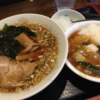 中華丼とラーメンのセット