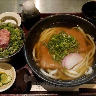 きつねうどんとミニネギトロ丼(讃岐屋 雅次郎 )