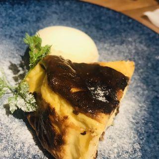 バスクチーズケーキ(青山TORO (アオヤマトロ))