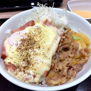 チーズベーコンエッグ丼
