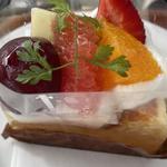 フルーツチーズケーキ