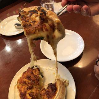 シカゴピザ(ドランク・ベアーズ・ヌー・チャヤマチ (DRUNK BEARS NU chayamachi))