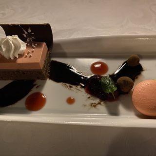 カシスムース&チョコレートケーキ