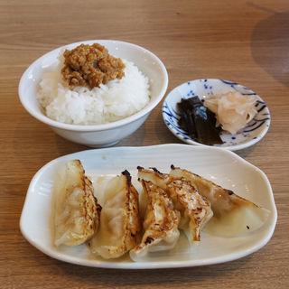 餃子・肉味噌ごはんセット(麺屋 波のおと)