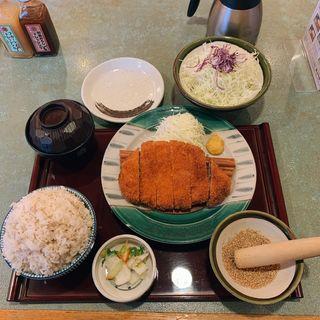 ジャンボロースカツ定食
