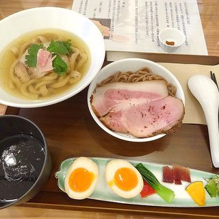 kasane combo 丸鶏 放牧鶏の煮玉子付(自家製粉石臼挽き小麦 洛中その咲)