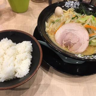 野菜ラーメン(横浜家系ラーメン 町田商店 広瀬通り店)