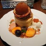 イチジクと秋のフルーツパンケーキ