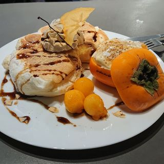 利根柿のグラタンデザートパンケーキ(果実店canvas)