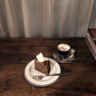 林檎とスパイスのケーキ(granaryscoffeestand)