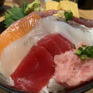 海鮮丼(板前寿司 新橋店)