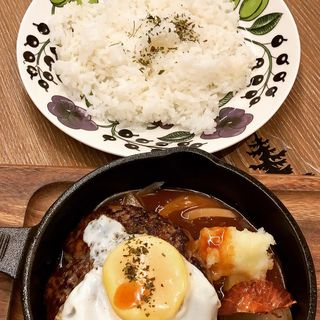 粗びきハンバーグ(Drip-X-Cafeホワイティうめだ泉の広場店)