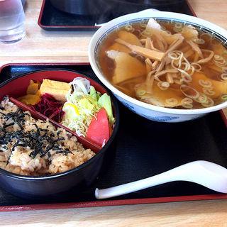 ラーメン定食(チャーシューメンに変更)