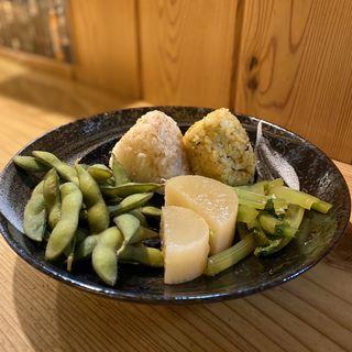 大根、小松菜、枝豆、おにぎり