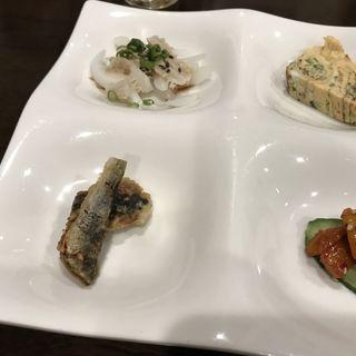 つきだし ホルモンの湯引きなど(韓国四季料理 MARU (マル))
