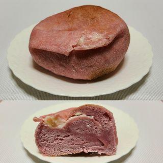 ベーグルモモ・レアクリームチーズ(ブランジェリーケン)