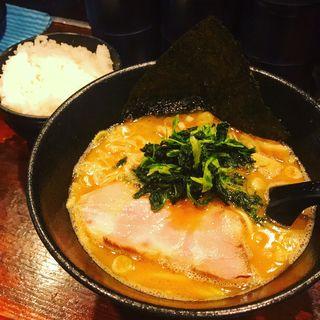 大和田ラーメン(豚骨醤油)