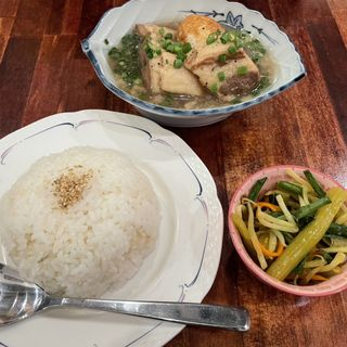 うずらと豚角煮定食(ベトナム料理専門店WICH PHO 吉祥寺店)