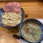 濃厚煮干し白湯つけ麺
