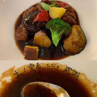 黒酢酢豚定食
