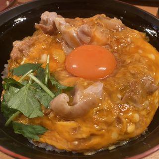 名物親子丼(スープ付き)(はし田屋 本店)