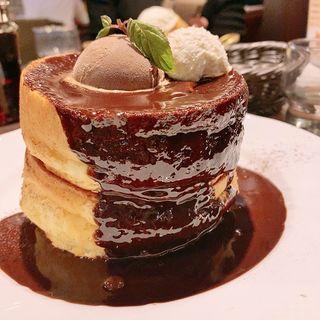 生チョコレートのスフレパンケーキ(星乃珈琲店 阪急三番街店 )