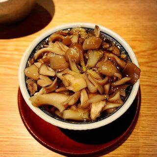 蛤と黒まいたけ茶碗蒸し(高太郎 (こうたろう))