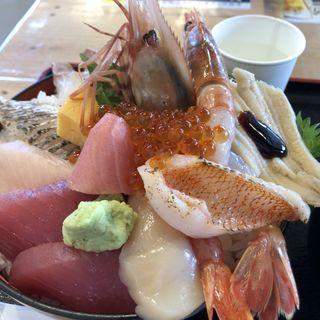 特選女川丼 大盛(お魚いちば おかせい)