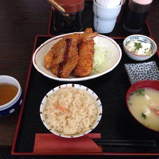 ミックスフライ定食 かに飯(ひさや食堂)