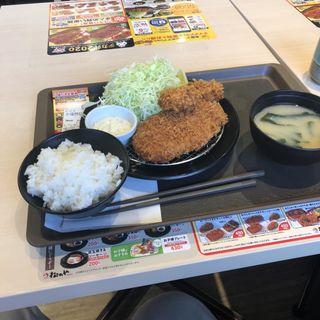 カキフライロースカツ定食