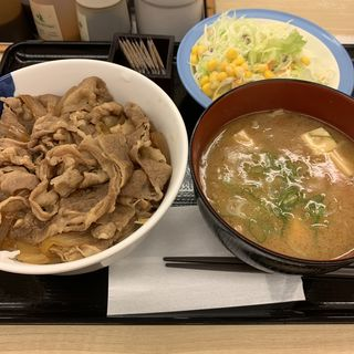 牛めし 大盛 豚汁生野菜セット(松屋 西新宿8丁目店 (マツヤ))