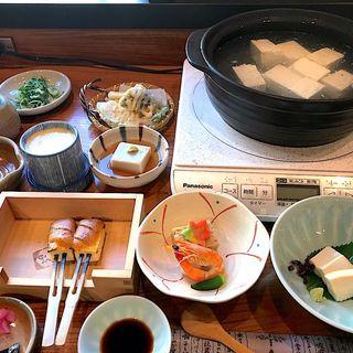湯豆腐定食(清水順正 おかべ家)