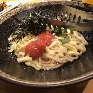 釜玉明太チーズうどん(居酒屋 ごー)