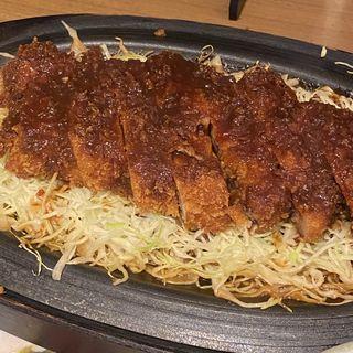 鉄板とんかつ定食(矢場とん 東京駅グランルーフ店 )