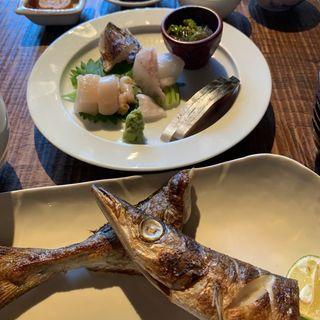 刺身5品盛りと焼魚または煮魚の定食