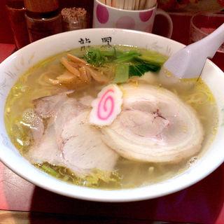 黄金塩ラーメン+味玉(龍鳳 大門横丁店 (りゅうほう))