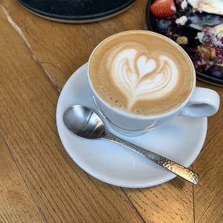 フラットホワイト(METoA Cafe & Kitchen)