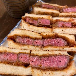 和牛の炭焼サンドイッチ(酒処てらやま)