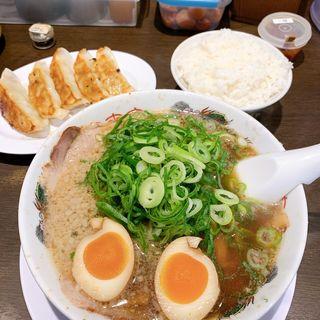 味玉ラーメン餃子定食(来来亭 茨木寺田店 (らいらいてい))