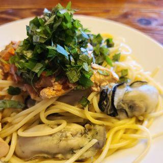 あん肝と牡蠣入りスパゲティ(ラ・タベルナ )