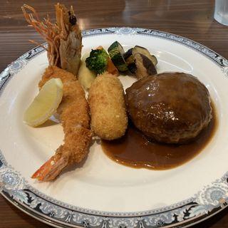 帆立とエビのクリームコロッケ(カレー風味)とハンバーグの盛り合わせ定食(フジヤ (Fujiya))