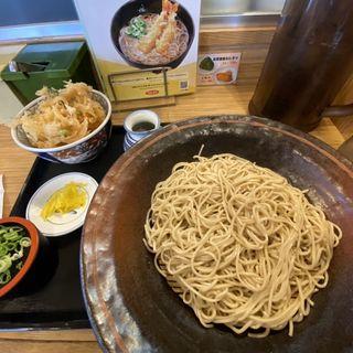 冷たい蕎麦とかき揚げ丼(ウエスト 三代店)