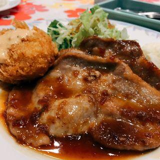 カニクリームコロッケと豚の生姜焼き(キャビン (CABIN))