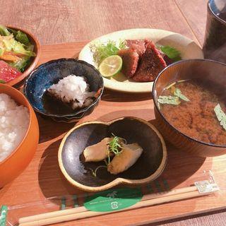 やわらか和牛の炙り定食(晩酌食堂 Hanaco+)