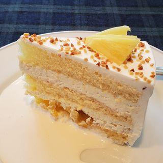 フレッシュパイナップルケーキ(ペーパームーン)