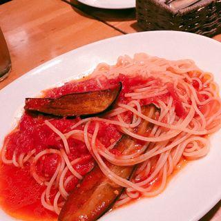 ナスとトマトの赤唐辛子スパゲッティ(カスタネット )