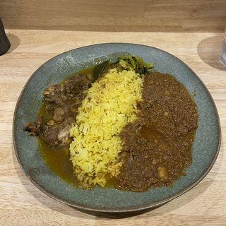 カレー二種盛り(スパイスバル コザブロ)